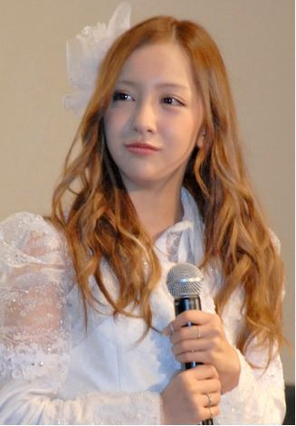tomochin_documentaryofAKB48_1